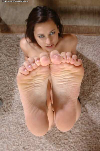 Georgia Jones Feet